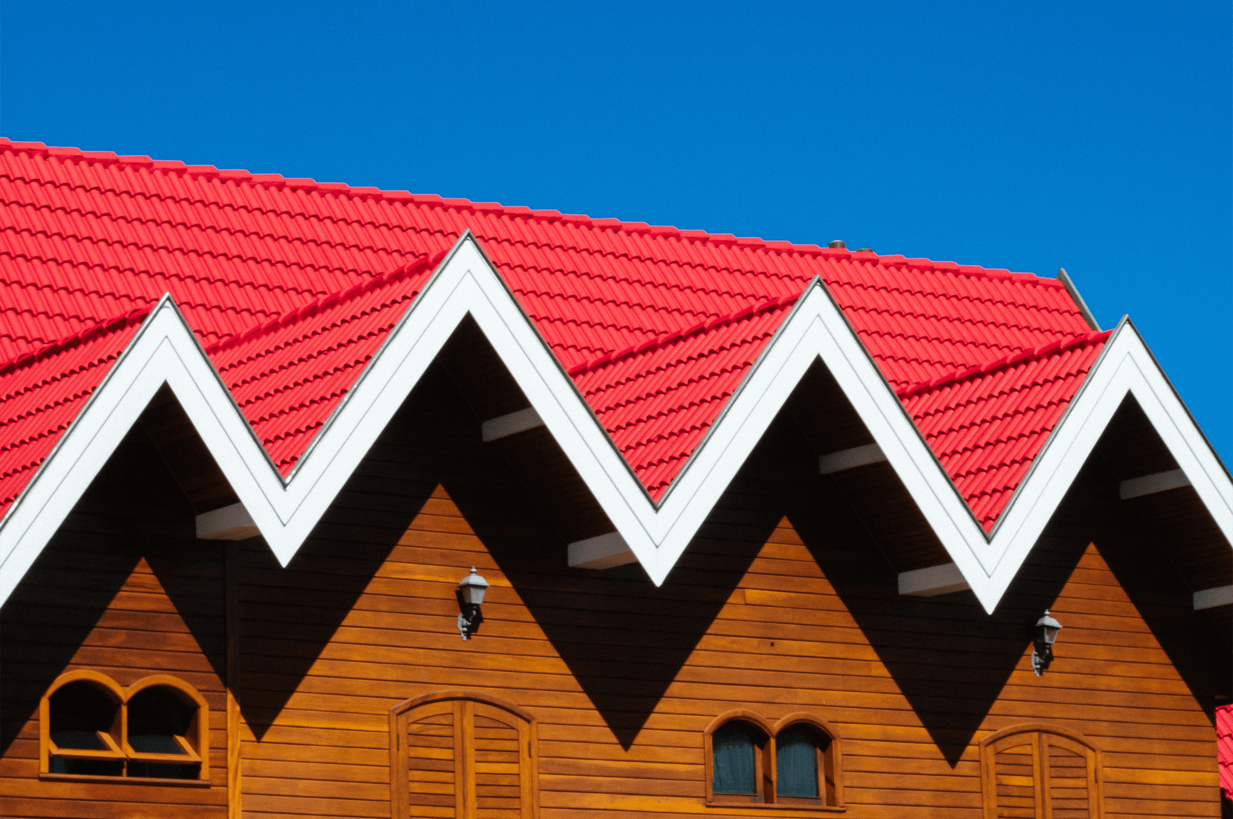 Choosing the Right Roofing Material For Your Northern Michigan Custom Home - featured image